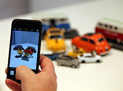 USB-Sticks-Automodelle im Smartphonedisplay