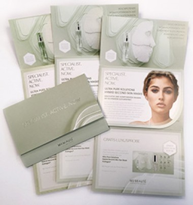 Haptisches Mailing mit einer Kosmetikprobe