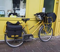 Fahrrad eines Briefträgers in Frankreich